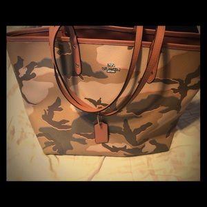 Deep reversible coral camo coach purse